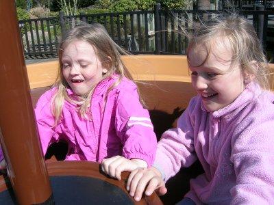 Frederikke og Ditte i Legoland