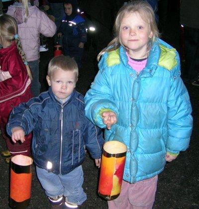 Mads og Frederikke til lygtefest