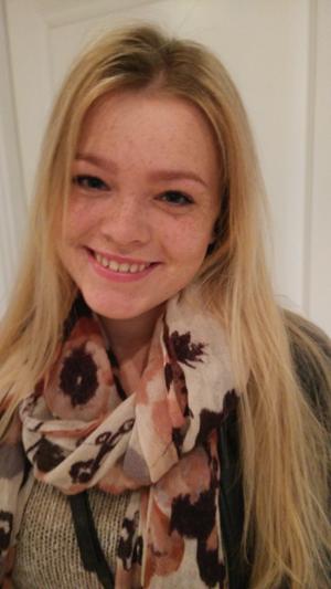Frederikke 18 År