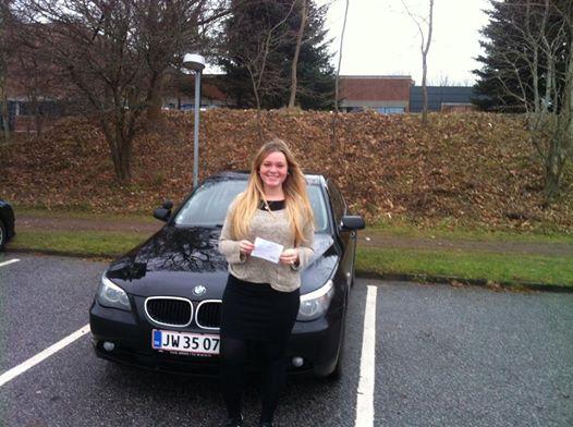 Frederikke med kørekort